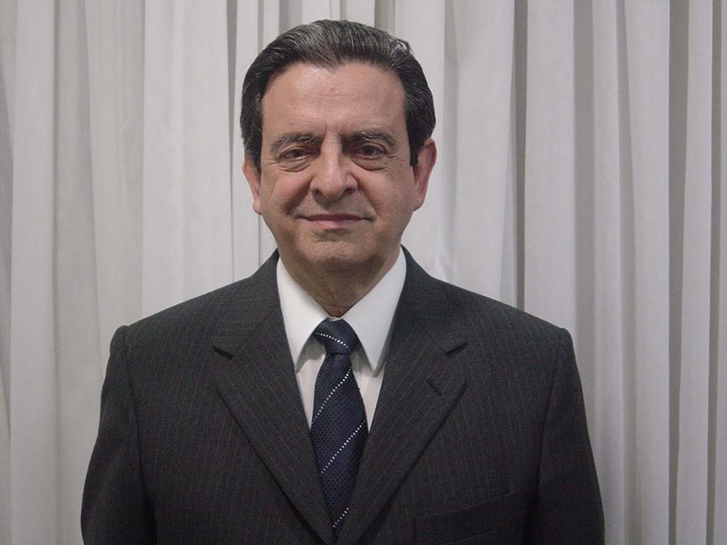 Dr Plinio Garcia Prado